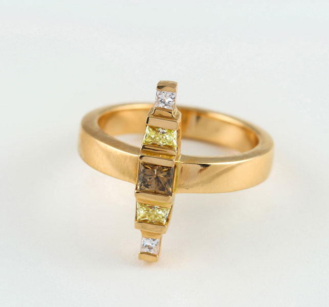 18K ROSE GOLD, YELLOW, COGNAC AND WHITE DIAMOND RING